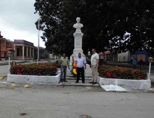 Honran a José Martí en Antillas